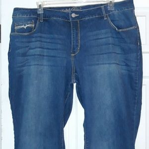 24W Plus size jeans with faded effect